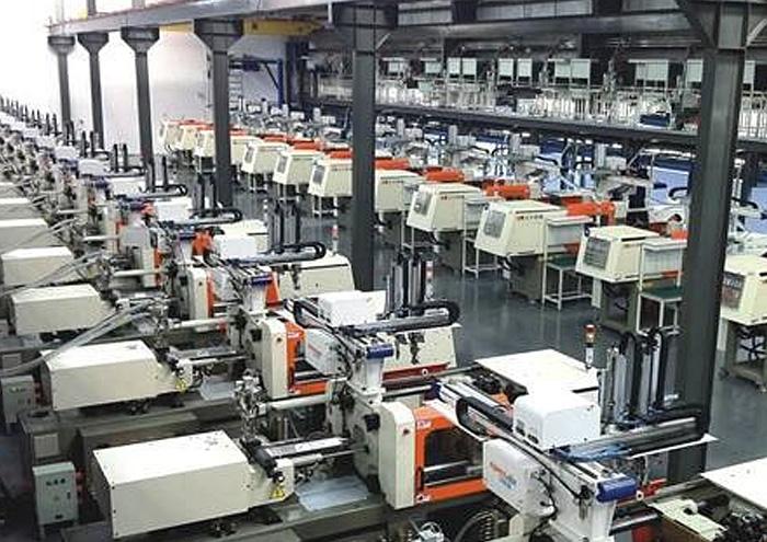 中国网专访海伦裕龙塑胶制品有限公司总经理朱秀华
